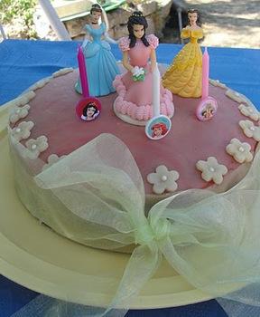 bb38b6bdb5 Hercegnő torta, vagy Hello Kitty torta II. (tej- és tojásmentes),