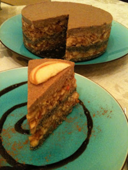 Alm�s- m�kos nyers torta, Raw apple and poppy seed cake: