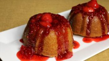 Eggless Vanilla Cake with Strawberry Sauce