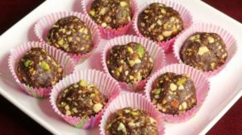 Date and Nut Ladoo
